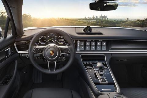 Porsche Panamera 4 E Hybrid stuur en dashboard