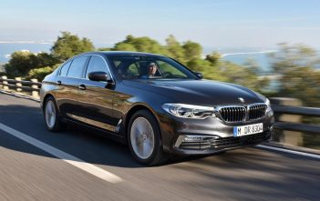 BMW 5-serie 2017 op de weg