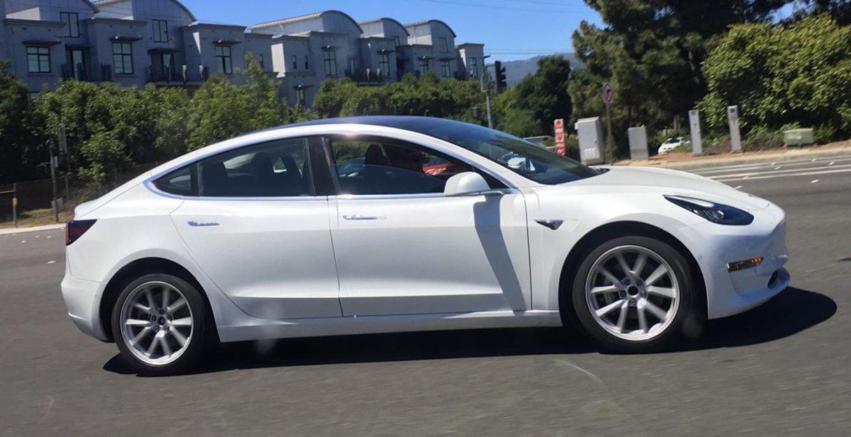 Tesla Model 3 Opnieuw Betrapt Autointernationaal Nl