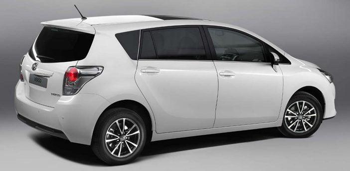 Toyota Verso Nieuw Model >> Suv Slachtoffer Toyota Verso Autointernationaal Nl