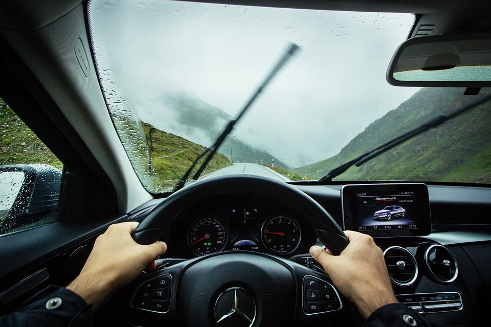 Belemmerd zicht in de auto