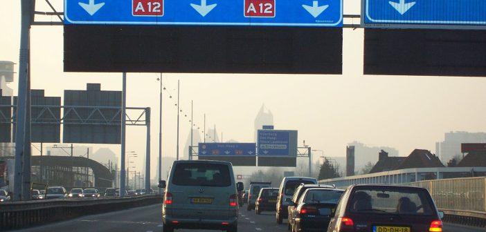 Geen goedkopere autoverzekering ondanks minder verkeer door Corona